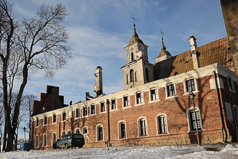 Apdegusios Tytuvėnų bažnyčios atstatymo darbais susidomėjo prokurorai