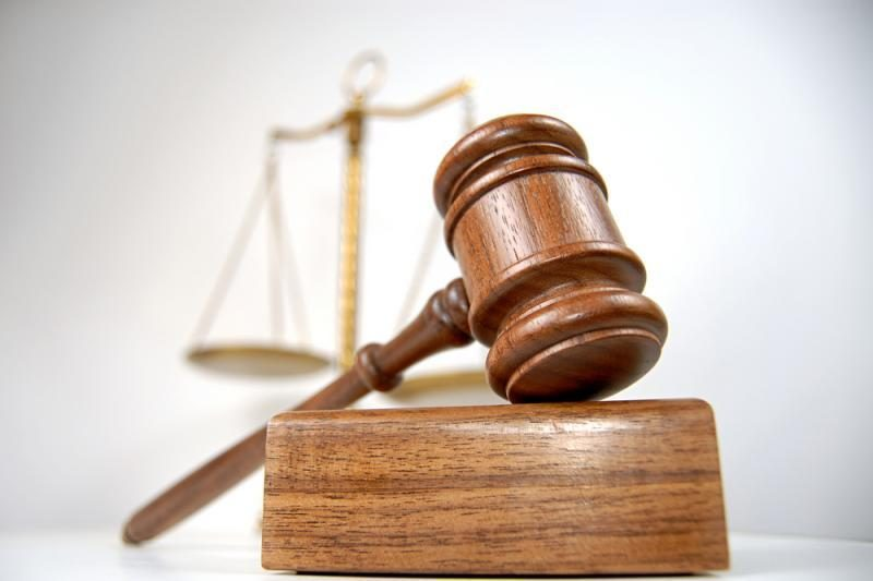Teismas daugiau nei savaitei pratęsė suėmimą A.Romanovskiui