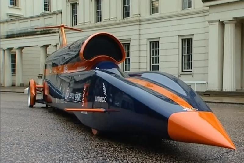 Automobilis skriejantis 1 670 km/val. greičiu?