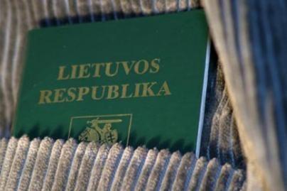 Dėl dvigubos pilietybės siūloma keisti Konstituciją