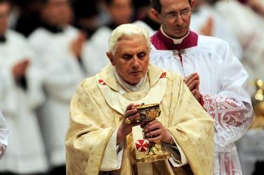 D.Grybauskaitė į Lietuvą kviečia popiežių Benediktą XVI