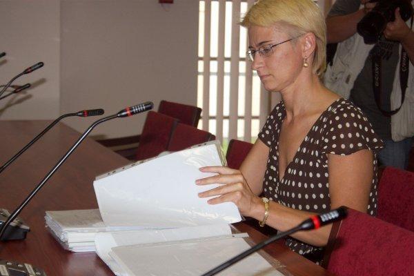 N.Venckienė dėl nesaugotos D.Kedžio dukters iš valstybės reikalauja 15 tūkst. litų