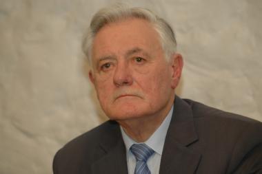 """V.Adamkus: """"Švietimo reforma – didelis skaudulys tautos kūne"""""""