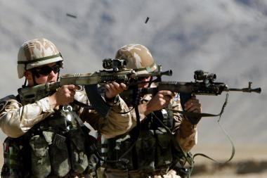 Iš tarnybos Afganistane dėl girtavimo atleisti kariai: promilės atsirado nuo burnos skysčio