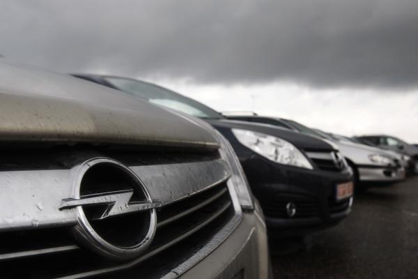 """Dešimtys tūkstančių """"Opel Insignia"""" tikrins servisuose"""