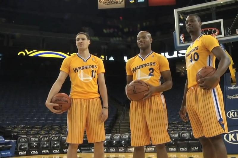Nauja mada - krepšinio marškinėliai su rankovėmis. Už ar prieš?