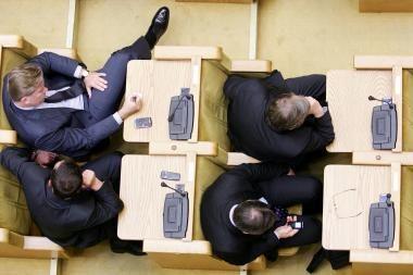 Seimu nepasitiki keturi iš penkių Lietuvos gyventojų