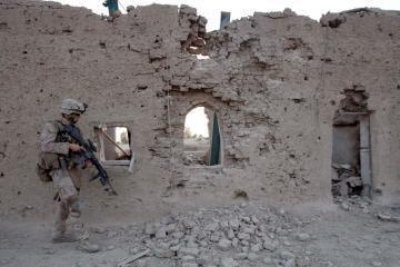 Afganistane per mirtininko išpuolį žuvo 5 žmonės