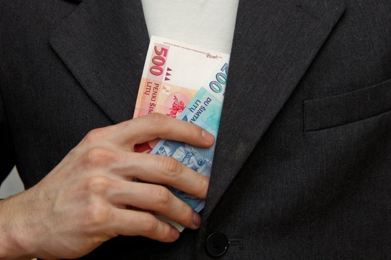 Kalvarijos politikas už kyšininkavimą nubaustas 13 tūkst. litų bauda