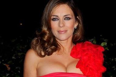 Raudonai apsirengusi moteris vyrams gražiausia