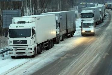 Keturi lietuviai kaltinami Estijoje vogę iš vilkikų priekabų