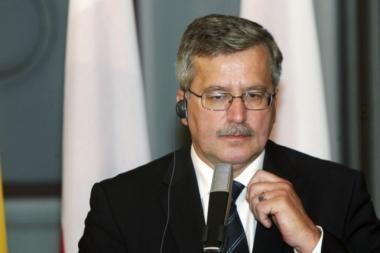 Lenkijos prezidentas laiko nesąmone kelis anketos JAV vizai gauti klausimus