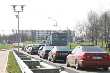 Per pusmetį šalyje — 100 tūkst. automobilių