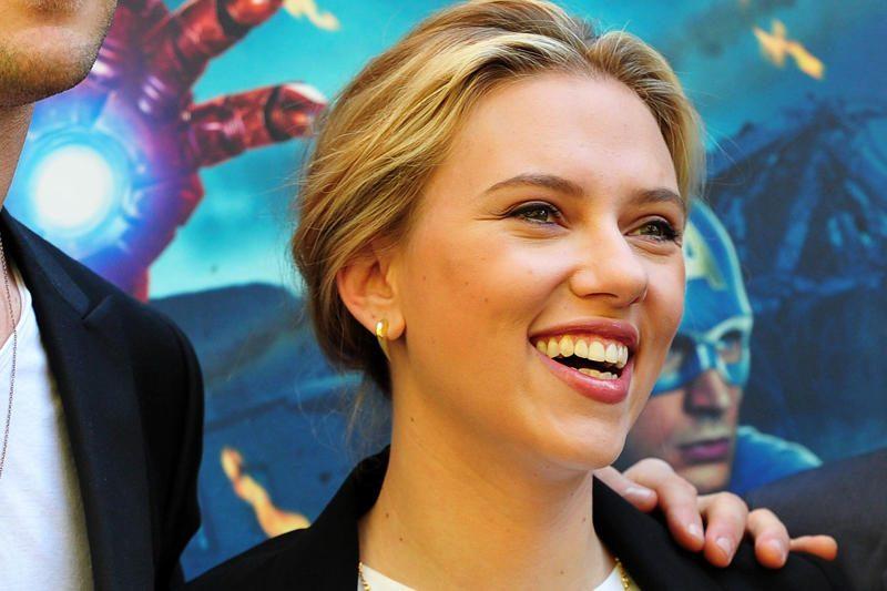 Scarlett Johansson pasidarė naują tatuiruotę