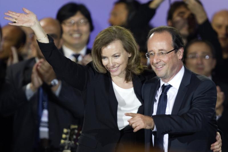 Pirmoji Prancūzijos ponia gali sukelti diplomatinių nepatogumų