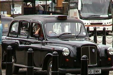 Londonas kratosi pavojingų taksi