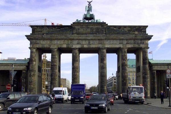 """Vokietija: policija areštavo 400 protestuotojų """"prieš kapitalizmą"""""""