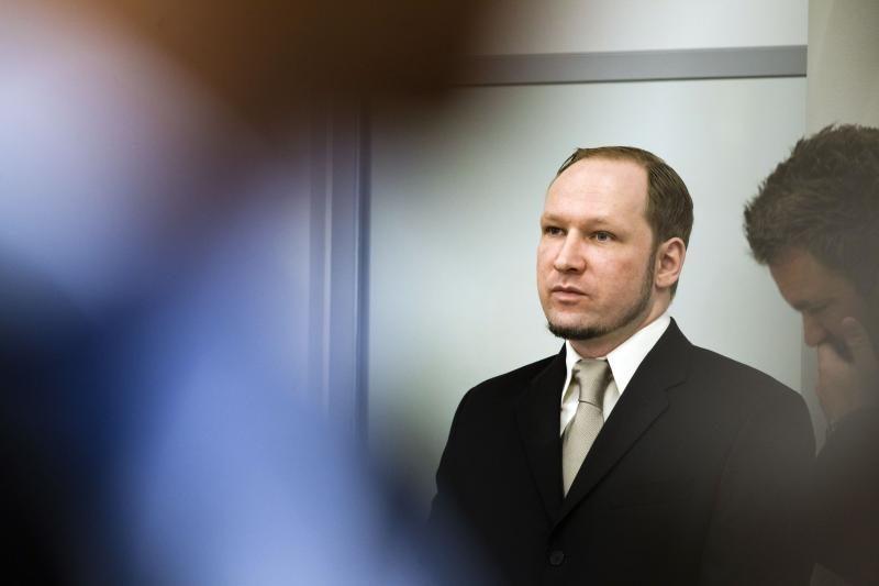 Žudikas A.Breivikas nori kreiptis į teismą, rašo autobiografiją