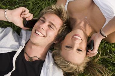 Skyrybų priežastis – pernelyg didelis partnerių draugiškumas?