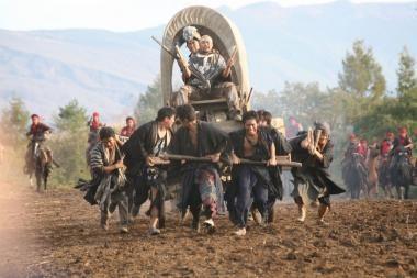 """Kinuose – ekstravagantiškas """"Japoniškas vesternas"""""""