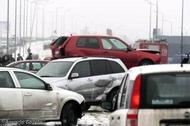 Lenkijoje – milžiniška avarija