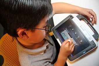 Skurdžioms šalims skirti kompiuteriai skatins raštingumą