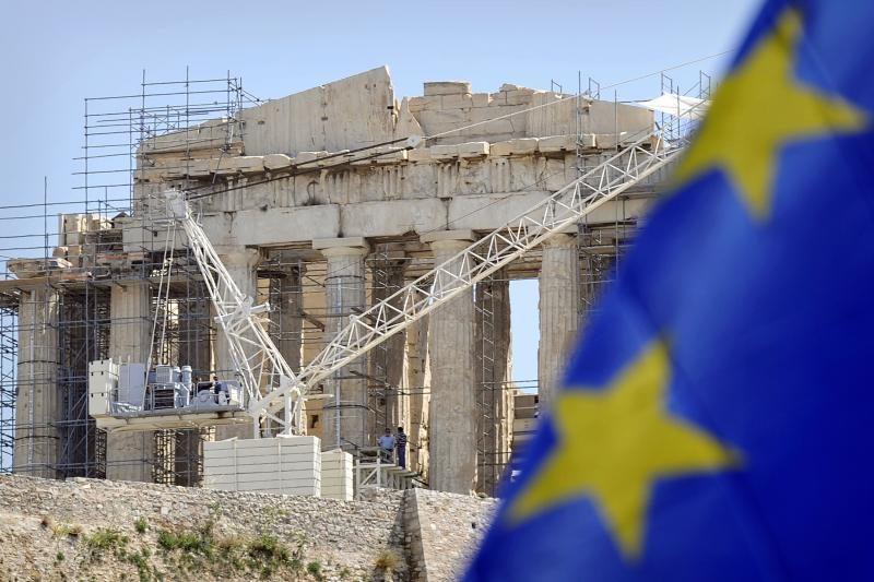 Graikai įtiki naujais mitais apie gyvenimą su euru