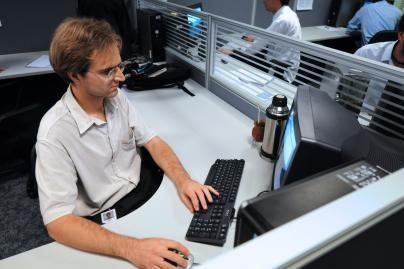 Naujieji monitoriai nenaudoja energijos budėjimo režime