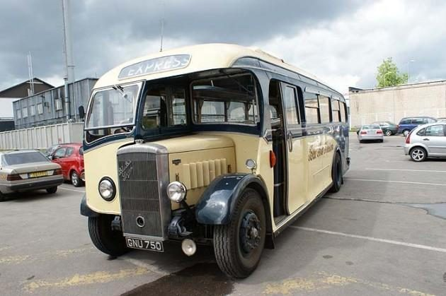 Sendaikčių turguje – autentiški autobusai iš Anglijos