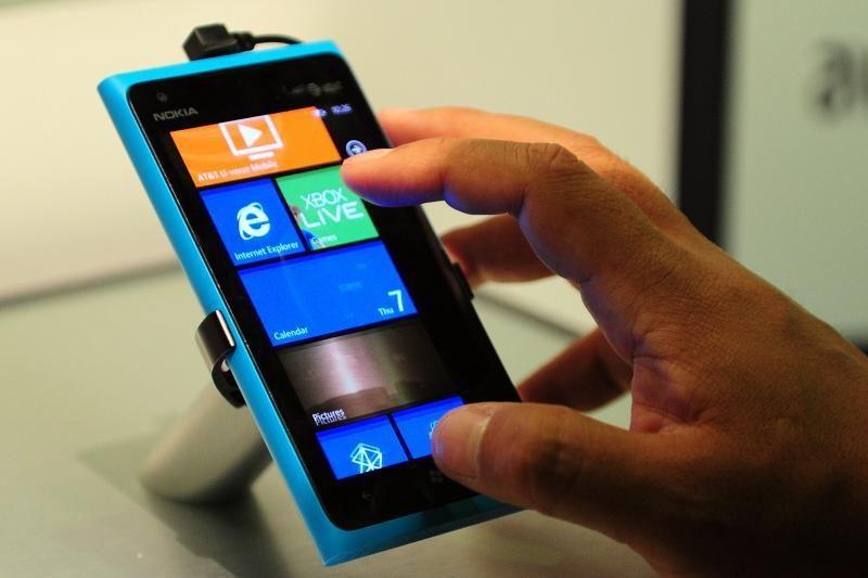 """Rinkoje esantys """"Windows Phone"""" įrenginiai gaus tik 7.7 atnaujinimą?"""