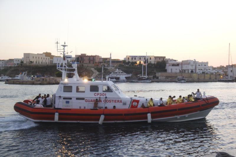 Italijoje ir Maltoje išsilaipino šimtai migrantų