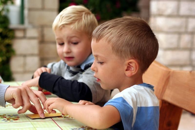 Vaiko teisių kontrolierė stalo žaidimą pripažino netinkamu vaikams
