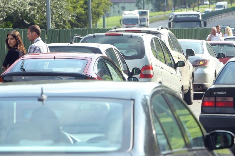 Rudenį vairuotojai sulauks tikslesnės informacijos apie sąlygas kelyje