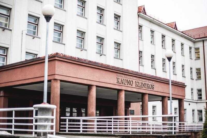 Grupė jaunuolių Kaune užpuolė ir pašovė 27-erių vyrą