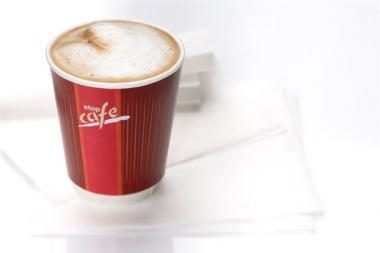 Keičiasi vairuotojų kavos gėrimo įpročiai