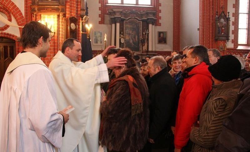 Palangos bažnyčioje įžadus atnaujino daugiau nei 100 porų (foto)