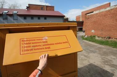 Neringoje - konteineriai rūbams