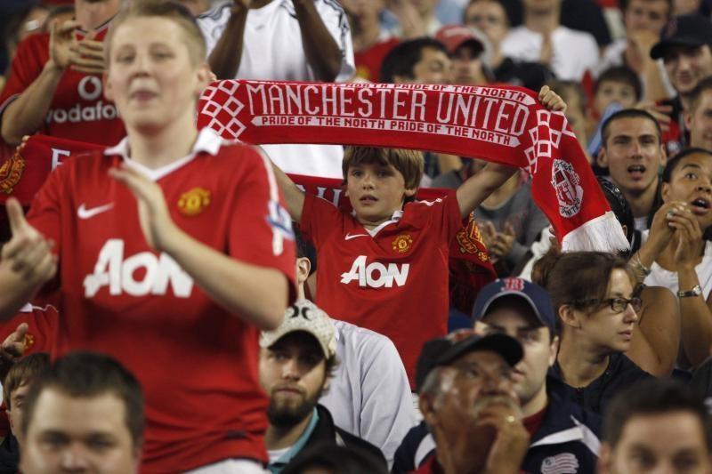 Anglijos futbolo lygos lyderiai iškovojo šeštąsias pergales