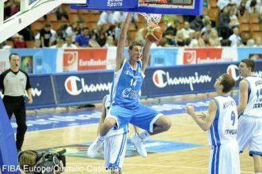 Tarp krepšinio talentų ryškiausiai spindėjo J.Valančiūnas