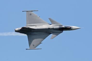 NATO naikintuvai nutupdė į Lietuvą be leidimo įskridusi privatų lėktuvą