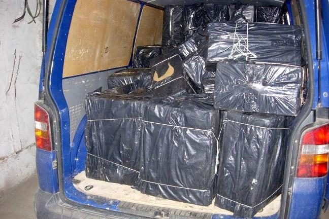 Kontrabandininkas spruko palikęs 170 tūkst. litų vertės krovinį