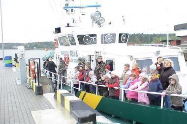 Moksleiviams pasakota apie sienos apsaugą jūroje