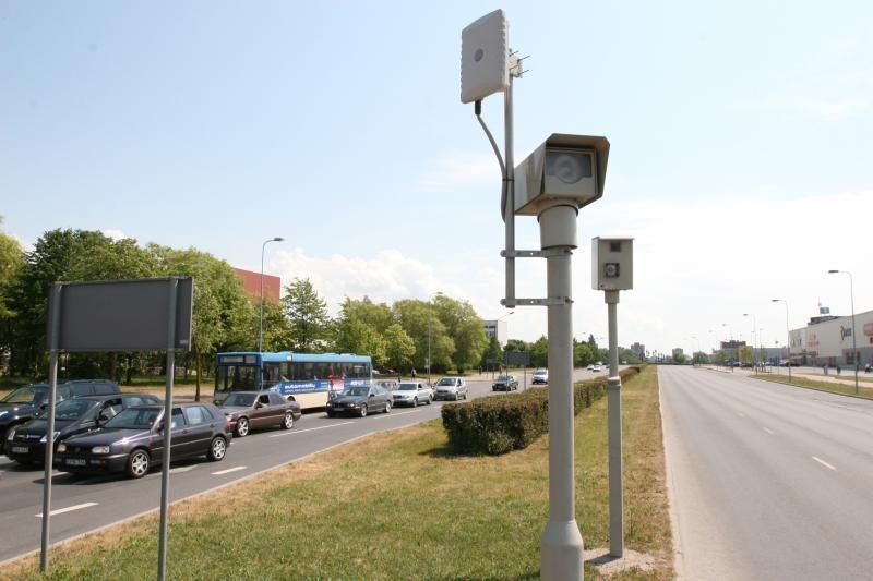 Kelių eismo taisyklių pažeidėjų nemažėja
