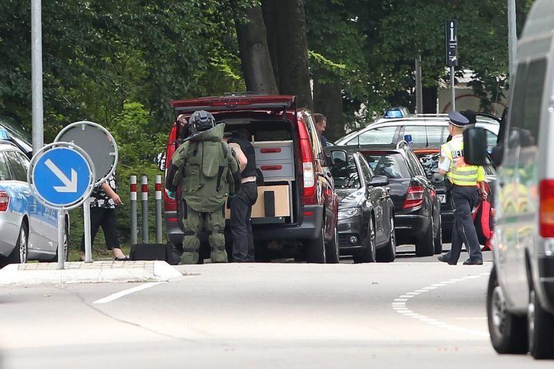 Vokietijoje per iškeldinimą užpuolikas paėmė kelis įkaitus