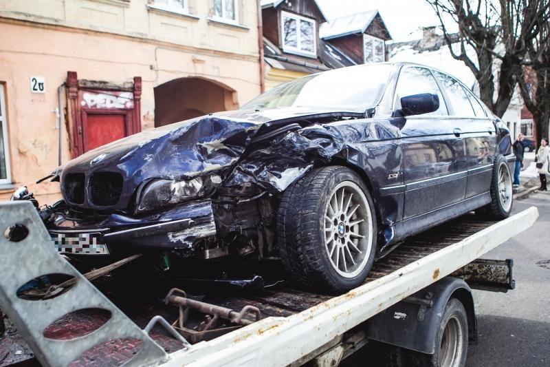 Šeimos nariai turės pranešti policijai, kas vairavo avarijos atveju