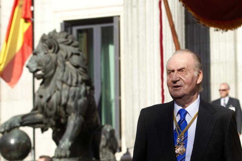 Ispanijos karalius dėl krizės susimažino darbo užmokestį