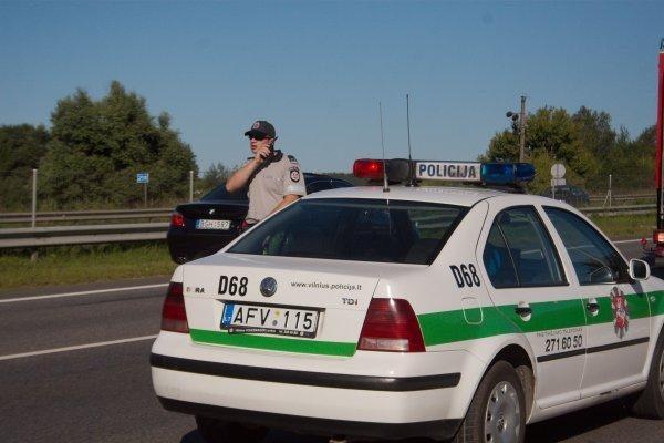 """Po tragiškos avarijos užblokuota """"Via Balticos"""" magistralė"""