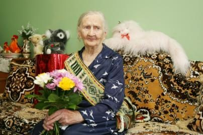 Šimtametės rūpestis – rožės