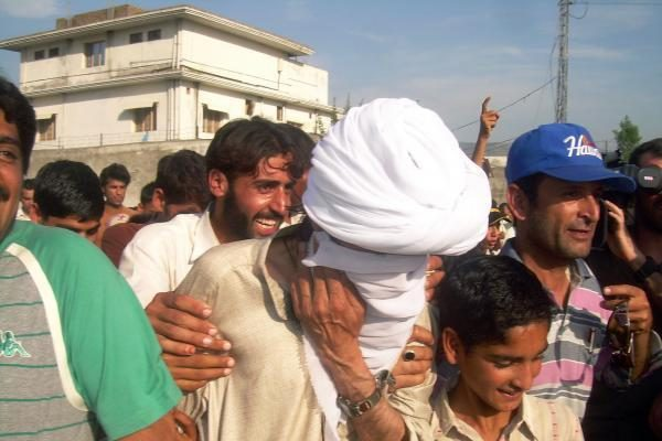 Pakistane kovotojai nukirto galvas septyniems vyriausybės kariams