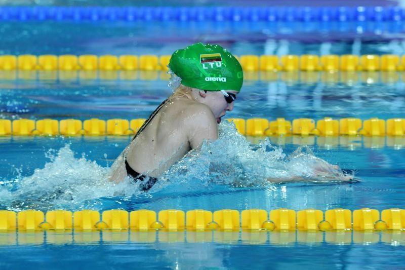 R.Meilutytė pagerino Europos rekordą ir pateko į olimpiados finalą